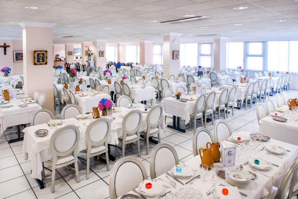 Restaurant climatisé Hôtel Christ Roi Lourdes