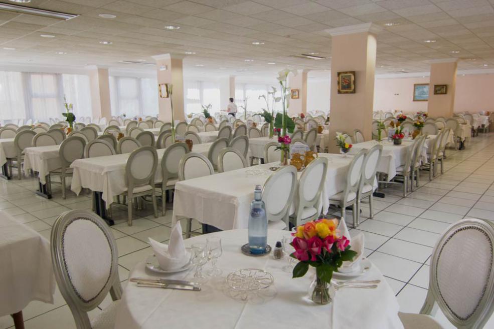 Air-conditioned restaurant Hotel Christ Roi Lourdes