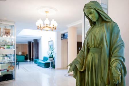Vierge Marie Hotel lourdes