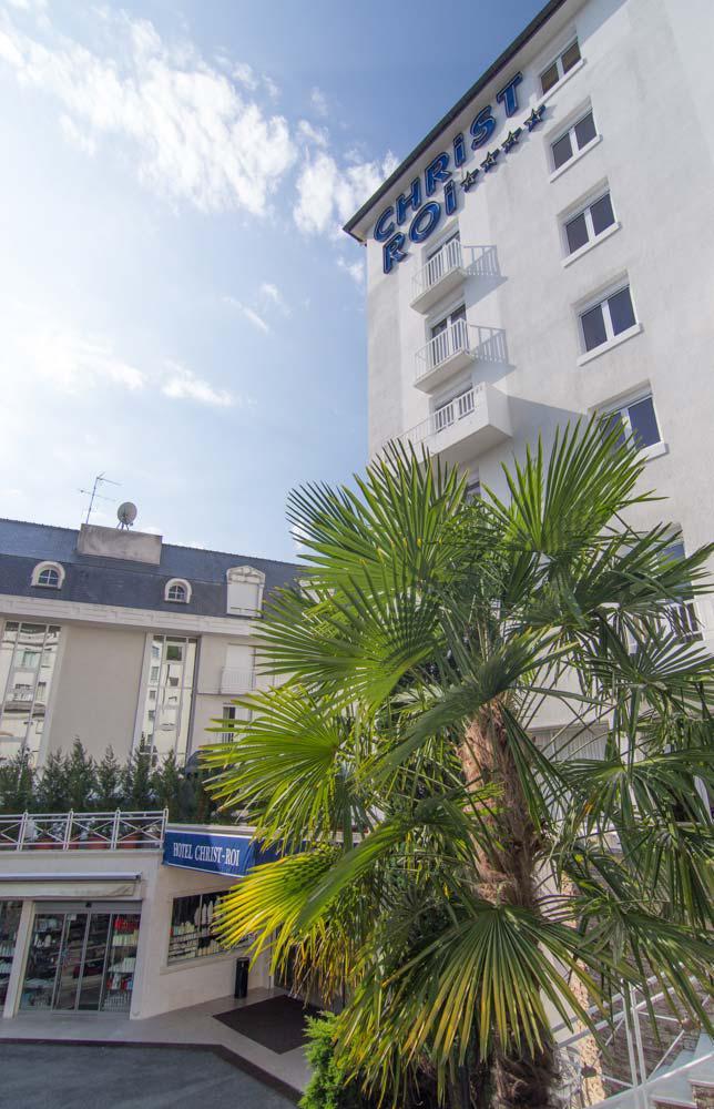 Hotel Christ Roi Lourdes near the sanctuaries