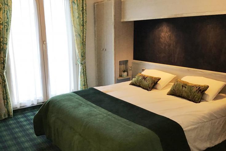 Camera matrimoniale hotel Christ Roi 4 stella Lourdes