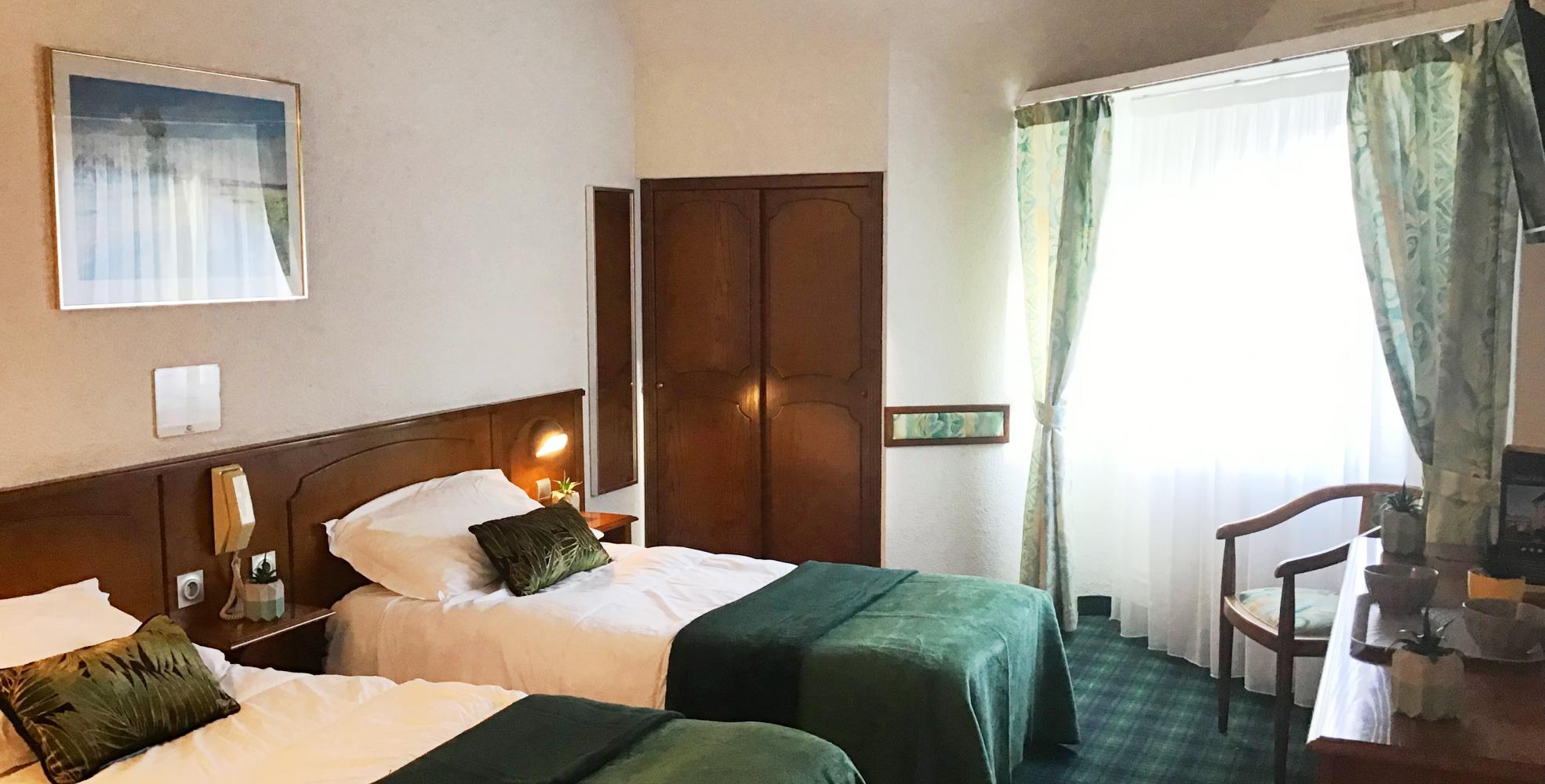 Chambre tout confort Hôtel Chirst Roi Lourdes 4 étoiles