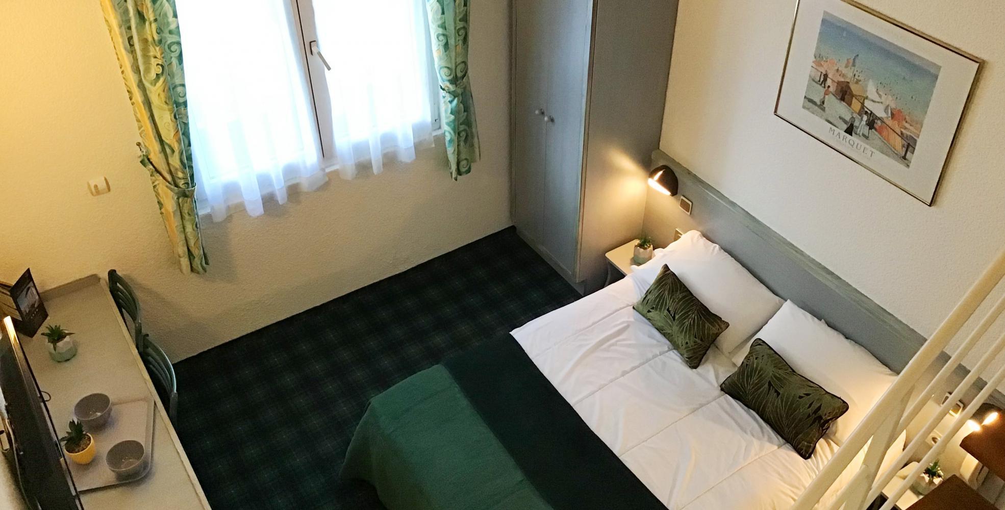 Chambre duplex Hôtel Christ Roi Lourdes 4 étoiles