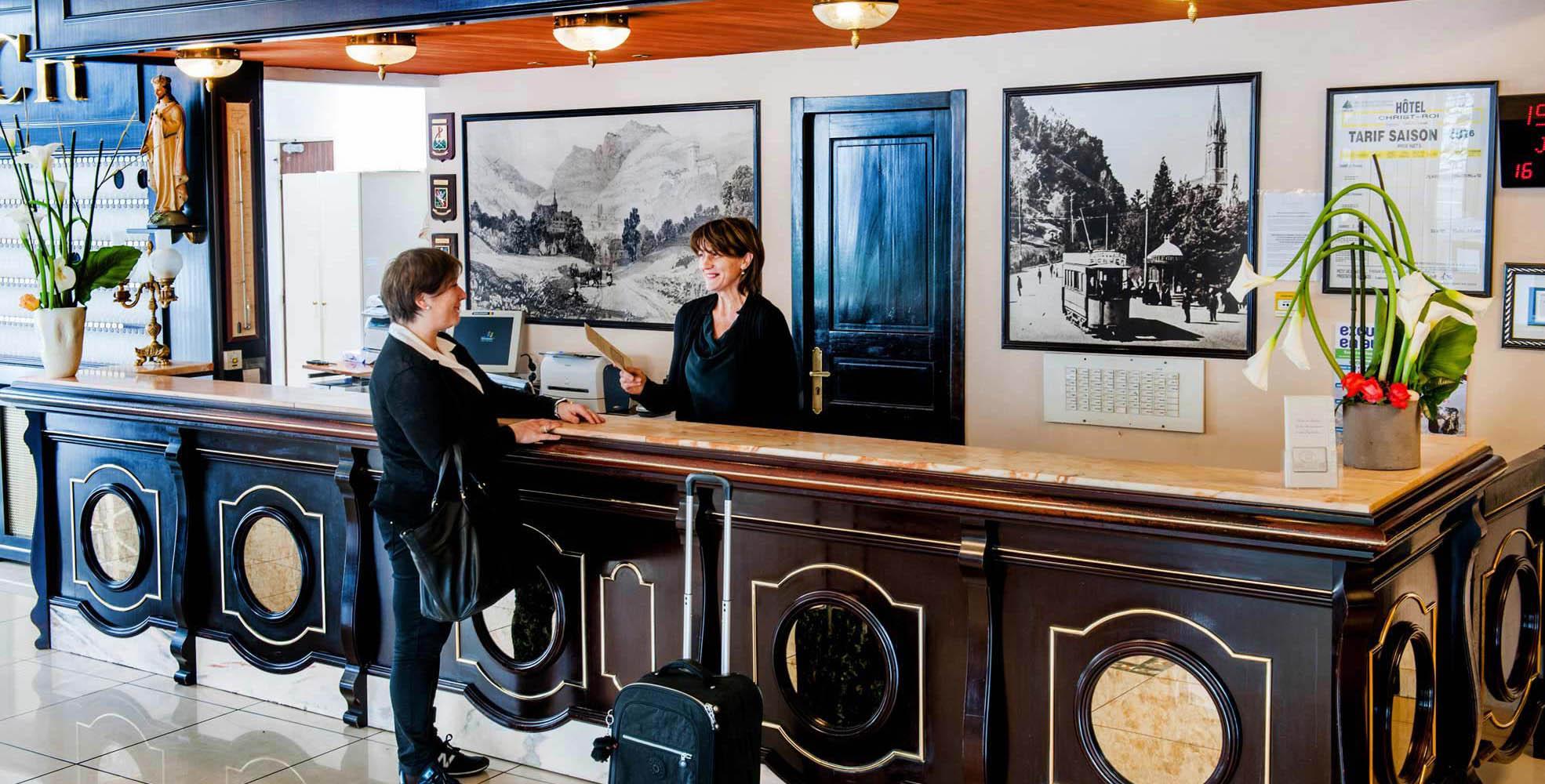 Réception de l'Hôtel Chirst Roi Lourdes 4 étoiles